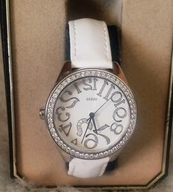 *nEW oLD sTOCK * ALLURING Women's GUESS Quartz Watch/WR/LEAT