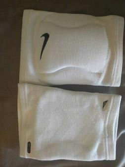 Nike - Streak Volleyball Knee Pad  - Accessories
